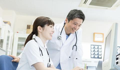イメージ - 主治医や医療機関への 連絡・相談を行います